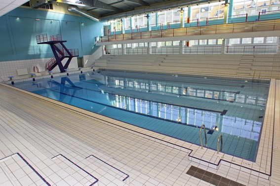 Piscines en alpes maritimes for Piscine jean bouin nice horaires